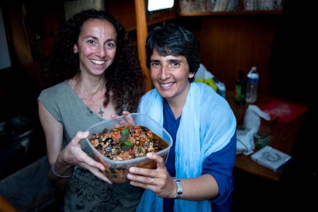 Quelle chance nous avons, un repas sicilien fait à domicile , et délicieux! Merci à Ivanna et à Céline, que nous portons désormais dans le cœur de la famille Pianocean!